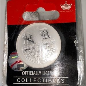 NY YANKEES STADIUM OPENING DAY COLLECTOR'S PIN